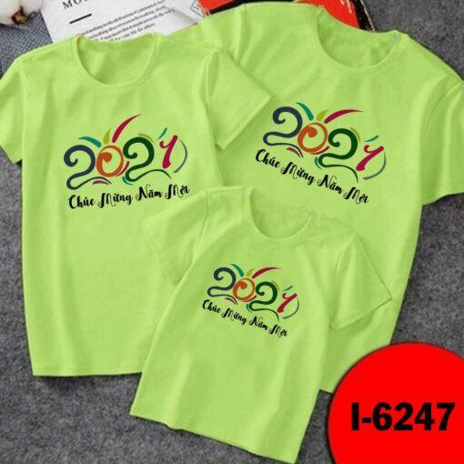 I6247 Ao Thun Gia Dinh Mau Xanh La Ma 2021 Chuc Mung Nam Moi