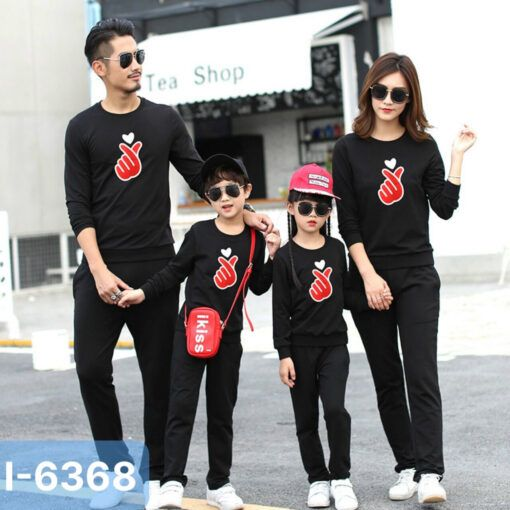 I6368 Ao Thun Sweater Gia Dinh In Ban Tim