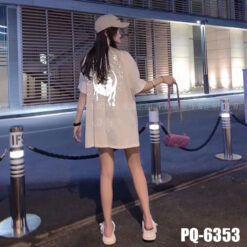 PQ6353 Ao Thun Unisex Nu In Mat Trang